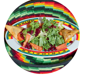 salade éthiopienne avec samboussa